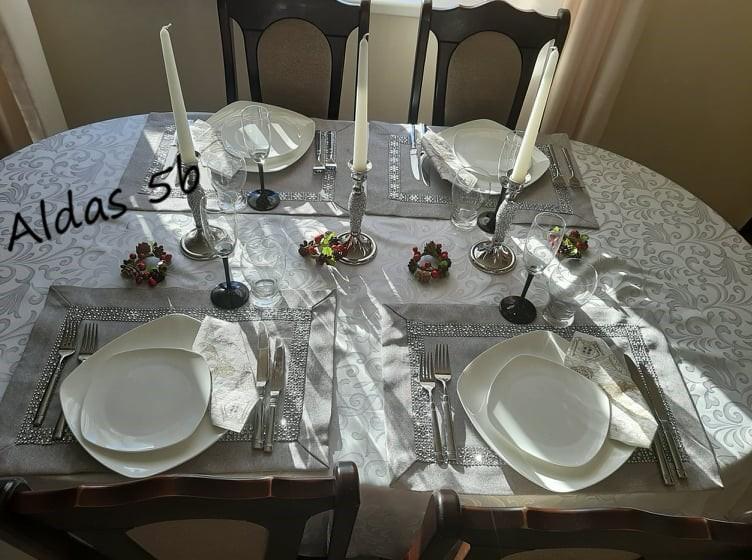 Šventinis stalo serviravimas